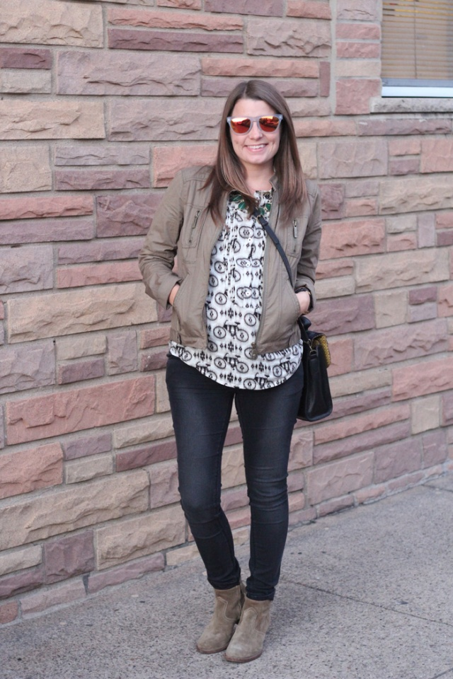 Really Risa: My Favorite Maternity Jeans